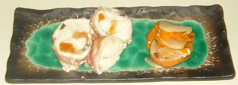 Roti de Lotte au Lard et à la sauge  farci à l'abricot et aux noix accompagné de patates douces et navets