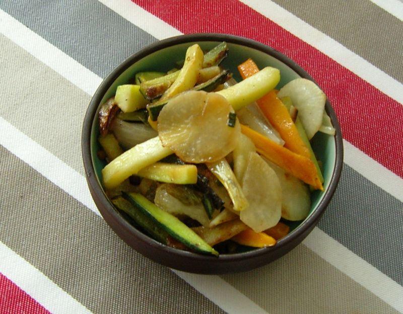 Wok de légumes daikon radis blanc