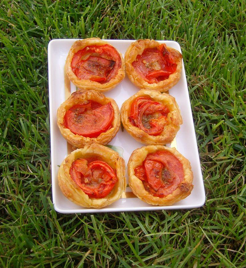 Tartelettes apéritives tomates pesto