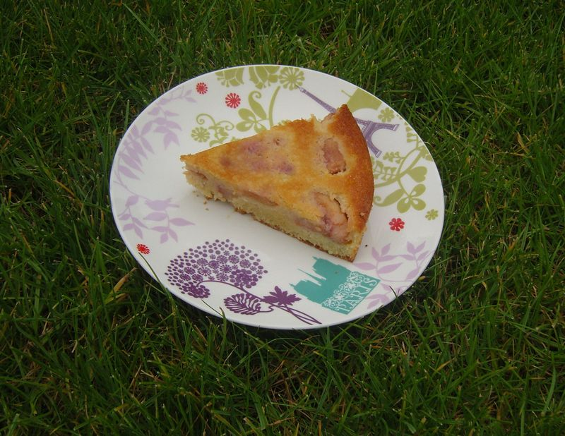 Gâteau aux pêches blanches
