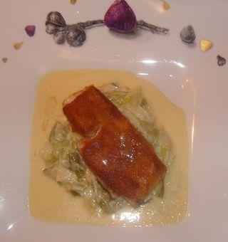 La Roche le Roy Pavé de Sandre Croute de Pain d'epices fondue de Poireaux liée au beurre blanc