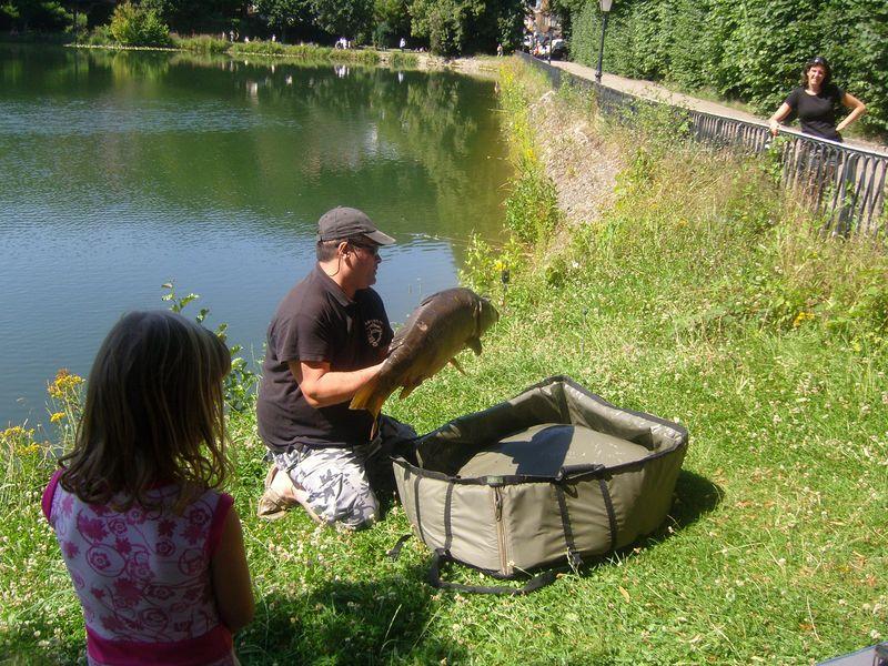 Les étangs de Corot Carpe pêchée